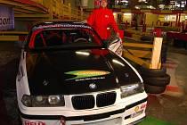 Jezdec stáje BP Autosport Bruntál Antonín Daniel se svým vozem.