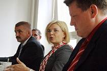 Ministryně spravedlnosti Daniela Kovářová, navštívila během výjezdního zasedání Ústavně-právního výboru Senátu bruntálský soud a okresní státní zastupitelství.