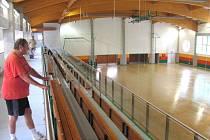 Školní tělocvična na Janáčkově náměstí bude zároveň sloužit i jako městská sportovní hala. Veřejnost si ji bude moci prohlédnou v sobotu od 9 hodin.