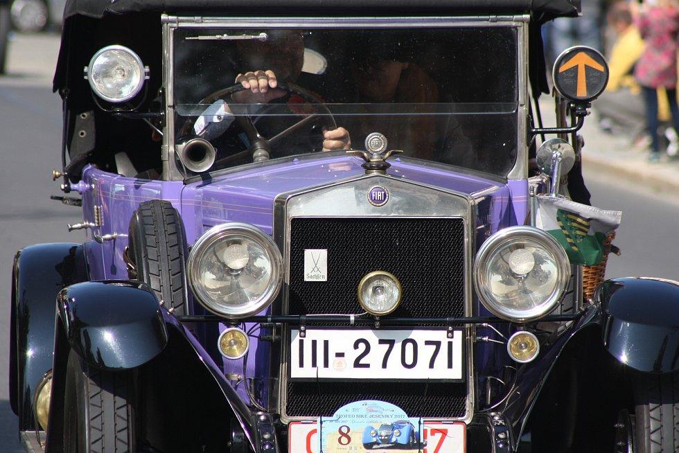 Mezinárodní akce Trofeo Niké, podhorská jízda veteránů.