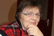 Také zastupitelka Danuše Šenkyříková zvedla na březnovém zasedání ruku pro schválení nové vyhlášky regulující volné pobíhání psů v obci Mezina.