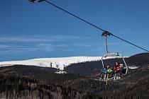 Čtyřsedačková lanová dráha Karlov Ski Express v Jeseníkách.