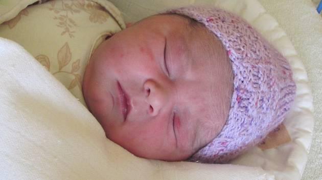 Jmenuji se MAGDALÉNA SNĚŽENKOVÁ, narodila jsem se 30. Května 2019, při narození jsem vážila 4280 gramů a měřila 52 centimetrů. Opava-Komárov