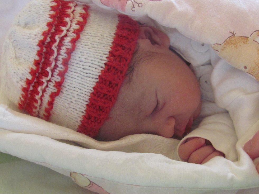 Jmenuji se Marie Kubjátová, narodila jsem se 12. dubna 2018, při narození jsem vážila 2555 gramů a měřila 46 centimetrů. Moje maminka se jmenuje Nikola Šmatláková a můj tatínek se jmenuje Jan Kubjat. Bydlíme v Bruntálu.