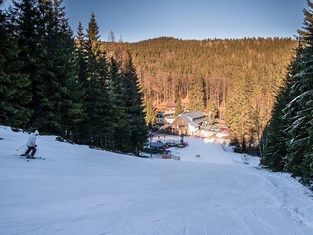 Kdo se vydá ve druhé polovině ledna do Jeseníků, užije si nejen perfektního lyžování, ale i nádherných přírodních scenérií.