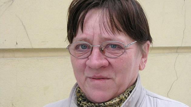 Marie Valentová, 60 let, Rýmařov: Moc nadšená nejsem, chodníky kloužou, nevím jestli se dívat pod nohy, nebo sledovat rampouchy.