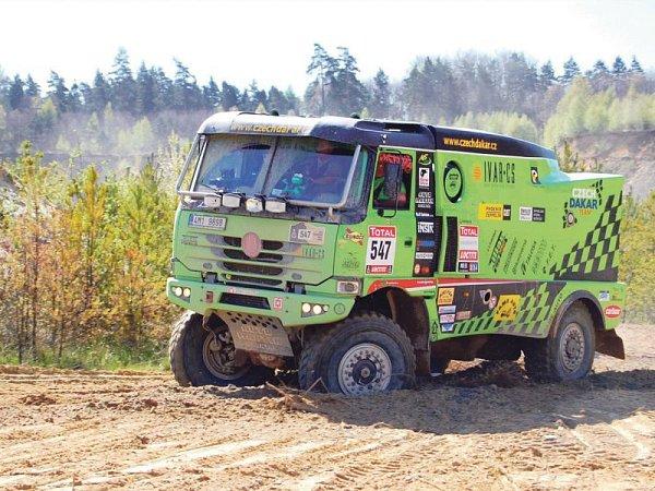 Zelená žába, takové pojmenování si vysloužil první kamion Tatra Martina Kolomého na Dakaru.