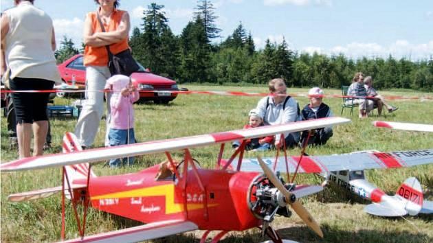 Dvorecko-berounská peruť je každoročně velkým zážitkem nejen pro ty, kteří se zajímají o letecké modelářství aktivně.