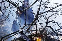 Jarní úklid na zahradách, který nejčastěji zahrnuje pálení větví, listí a jiného odpadu, má svá pravidla.