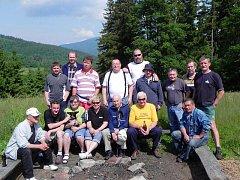Vrbenští štamgasti z hospůdky U Dřevasu v neděli vyrazili na chatu Sokolka.