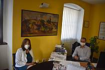 Na starobylé rýmařovské radnici přivítali návštěvu z Deníku starosta  Luděk Šimko a místostarostka Lenka Vavřičková.