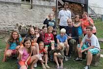 Farní tábor, který každoročně organizuje v Malé Morávce farář Marek Žukowski. Děti hrají hry, plavou a chodí na výlety po Jeseníkách.