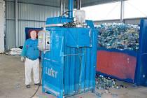 Město Albrechtice si před pár lety pořídilo moderní kompostárnu i recyklační dvůr. Nyní zkouší nový model, jak odměnit občany, kteří odevzdávají vytříděný plast a papír.