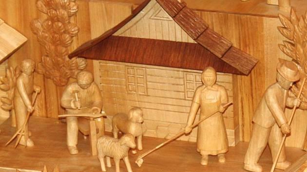 Postava vidláka nesmí chybět ani na Valašském betlému. Jeho autor řezbář Alois Zádrapa z Lidečka  v něm zachytil typické venkovské práce.