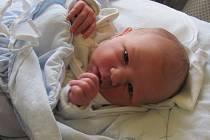 Jmenuji se JAN MIKULÁŠ HUDÁK, narodil jsem se 6. ledna, při narození jsem vážil 2900 gramů a měřil 46 centimetrů. Moje maminka se jmenuje Hana Neugebauerová a můj tatínek se jmenuje Jan Hudák. Bydlíme v Horním Benešově.