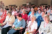 Vyřazení studentů univerzity třetího věku z Krnova a Vrbna pod Pradědem proběhlo v Koncertní síni sv. Ducha v Krnově.