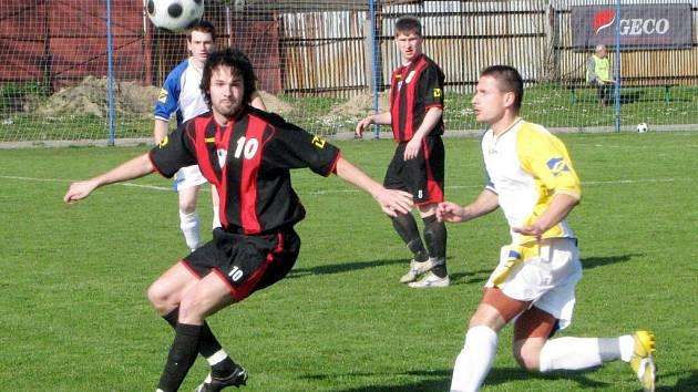 Dohrávku prvního jarního kola divize v Rýmařově vyhrál hostující Havířov hladce 3:1.