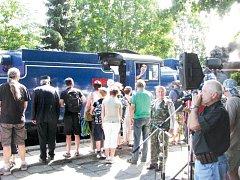 Parní jízdy na Osoblažce slavnostně začínají 8. května. Při této příležitosti se představí nové logo Mikroregionu Osoblažsko, ve vlaku bude vyhrávat Gigiband, budou připraveny hry i jízdy na koních, lukostřelba, šerm i ochutnávka džemů a marmelád.