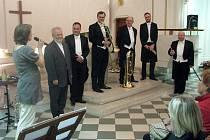Krnovsalá nemocnice představila novinářům teraristu a herpetologa Vojtěcha Dzika, kterého uštkla kobra Horst Kaller pozval do Krnova svůj oblíbený žesťový kvintet Harmonic Brass.