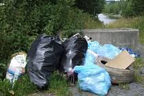Rybářská stráž si stěžuje na hory odpadků, které v přírodě ponechávají nevychovaní návštěvníci.