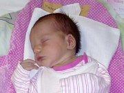 Jmenuji se ESTER MIKULECKÁ, narodila jsem se 31. října, při narození jsem vážila 3430 gramů a měřila 51 centimetrů. Moje maminka se jmenuje Anna Mikulecká a můj tatínek se jmenuje Robin Mikulecký. Bydlíme ve Městě Albrechticích.