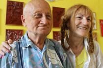 Venoušek a Miluška. Krásný příklad, jak se z obětavé pracovnice přímé obslužné péče a jejího klienta stanou dlouholetí přátelé.