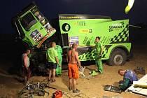 Bruntálskou posádku Martina Kolomého čekají už jen dvě poslední etapy náročné soutěže. Pravděpodobně v sobotu se nalodí na trajekt a po víkendu se vrátí do Bruntálu.