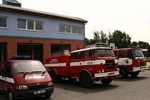 Moderní areál dobrovolných hasičů z Krnova Kostelce.