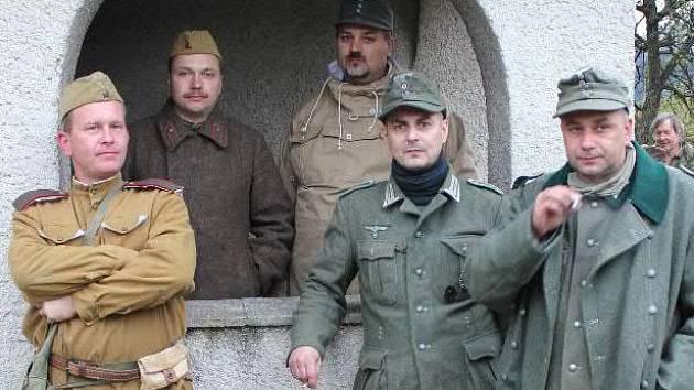 Klub vojenské historie Maxim uspořádá 30. dubna v Ostravě rekonstrukci bojů u Sýkorova mostu.