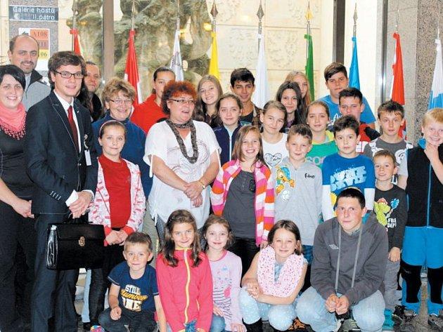 Dětem z farností na Bruntálsku připravil kněz Marek Žukowski z Malé Morávky výlet do Prahy s programem, na který jen tak nezapomenou.