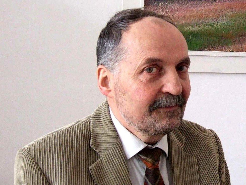 Ladislav Konopka, dlouholetý ředitel bruntálské Obchodní akademie a Střední zemědělské školy na odpočinku.