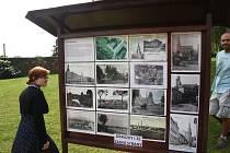 Místo, kde stával do roku 1962 kostel Máří Magdalény, je v Osoblaze označeno informační tabulí s fotografiemi.