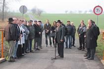 Most přes řeku Troja mezi Slezskými Rudolticemi a obcí Rowne. V pátek se na něm sešli Češi a Poláci, aby oslavili dokončení nové silnice a zavzpomínali, co tomu předcházelo.