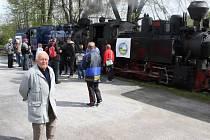 Jan Dokládal býval náčelníkem krnovského Depa v době, kdy pod něj patřila i úzkokolejka Osoblažka. Z jeho iniciativy v roce 1958 došlo k modernizaci Osoblažky, při které byly parní lokomotivy nahrazeny motorovými.