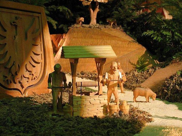 Betlém v Mohelnici z dílny bruntálského řezbáře Josefa Nedomlela, jehož dílo každoročně pravidelně doplňuje syn František.