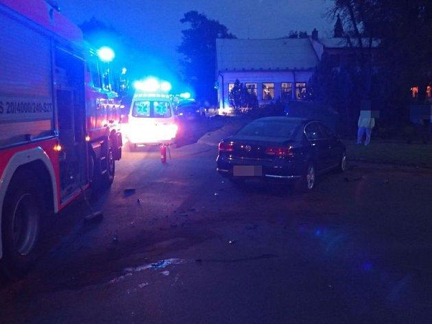 Dvě jednotky hasičů byly v pátek v podvečer vyslány do Razové, kde byla hlášena dopravní nehoda osobního a dodávkového automobilu.