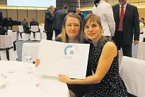 Pracovnice Slezské diakonie Krnov Hana Gebauerová (Dobrovolnické centrum) a Nikola Benediková (středisko BENJAMÍN Krnov).
