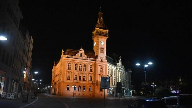 Noční centrum Krnova má  bez lidí a v naprostém tichu zvláštní atmosféru.