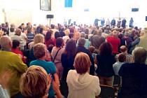 Spirituál kvintet ve Slezských Rudolticích odehrál koncert, na jaký nikdo jen tak nezapomene. Ve velkém finále publikum aplaudovalo vestoje a zpívalo Jednou budem dál.