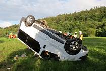 Pět zraněných si vyžádala nehoda dodávky poblíž obce Loučky.