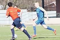 Hráči Krnova byli ve Velkých Karlovicích fotbalovější, ale bohužel dvakrát inkasovali a gól nedali.