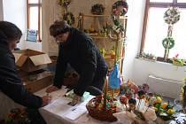 Petice proti prodeji heraltického zámku byla signatářům k dispozici také na zámku Linhartovy.