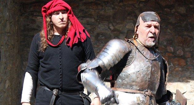 Akce na hradě Sovinci.