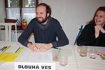Roman Staněk zažil volby v Gruzii, Turecku, Arménii a na Ukrajině jako pozorovatel vyslaný Českou republikou. V Holčovicích byl řadovým členem volební komise.