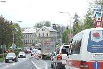 Komplikovaná doprava je v Bruntále především před osmou hodinou ranní. O moc lepší to není ani odpoledne.