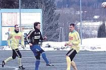 Vojtěch Šustr (v černém) patří k ke klíčovým hráčům souboru Antonína Mury.