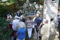 V Čakové byla v sobotu odhalena pamětní deska se jmény místních občanů padlých za první i druhé světové války.