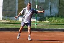 Jaroslav Prosecký - kdysi velmi dobrý závodní hráč, dnes stále aktivní tenista a trenér patří mezi největší osobnosti krnovského tenisu a na turnaji by neměl chybět.