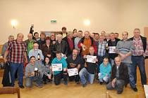 Účastníci čtvrtého mariášového turnaje v rámci Tour de Mariáš 2013 byli v Horních Životicích spokojeni.