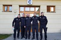 Uzdravení krnovští strážníci v Opavě darovali rekonvalescenční plazmu, a ještě zveřejnili fotografii, aby inspirovali ostatní vyléčené.